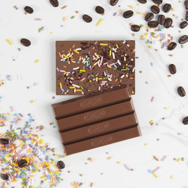 KIT KAT Chocolatory délicieusement, café et beignets