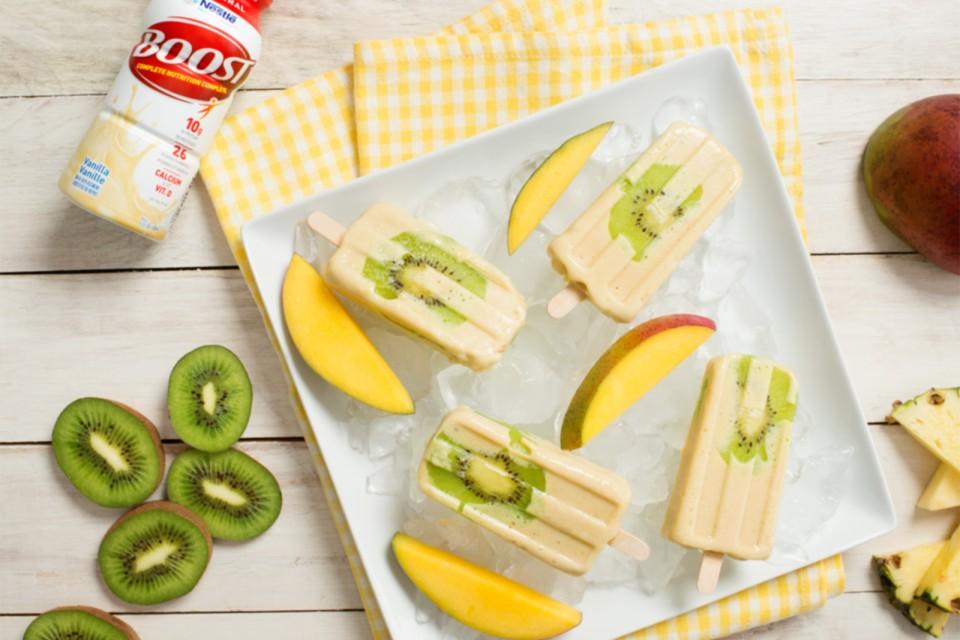 BOOST Original Tropical Smoothie Pops recette. Des pops exotiques et rafraîchissants, parfaits pour une chaude journée d'été.