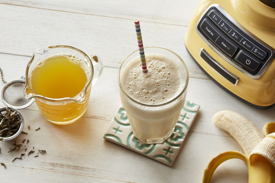 Green Banana Shake Recipe. A delicious and nutritious way to start your day, with green tea and frozen bananas.