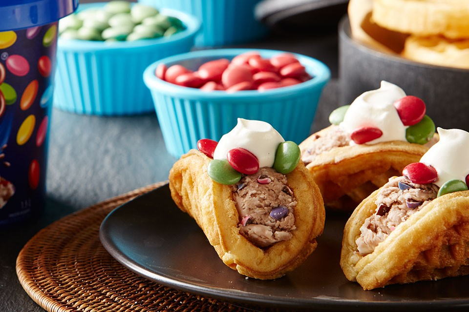 Quick and easy SMARTIES Frosty Tacos recipe. Chocolate, ice cream, waffles, does it get any better.