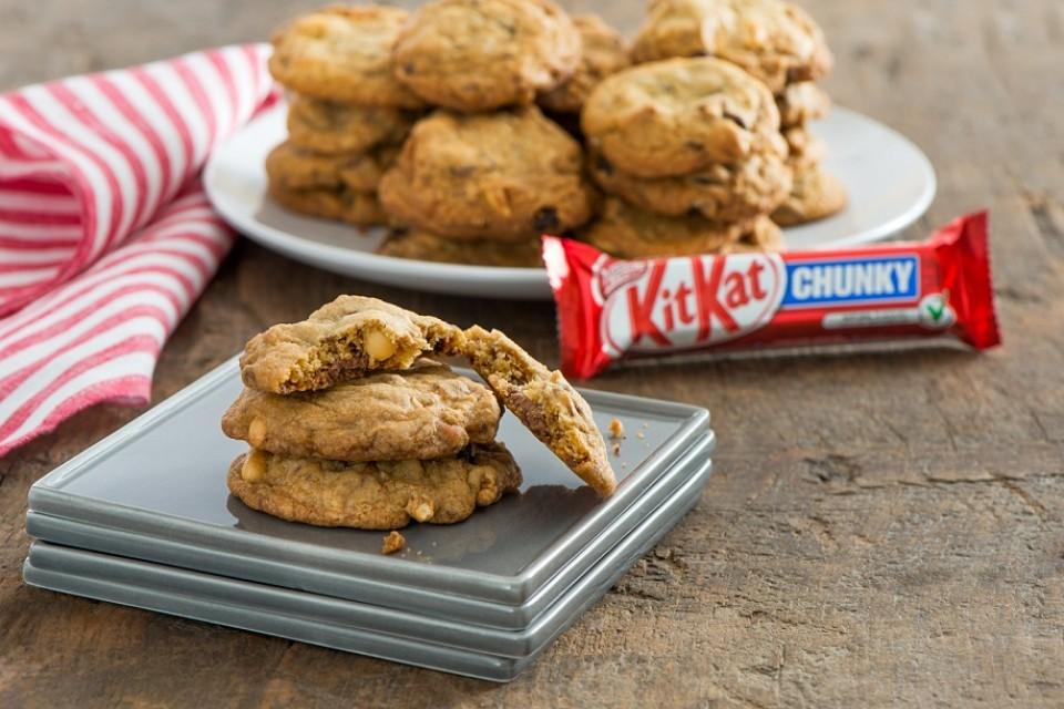 Recette de biscuits au chocolat sucrés et salés KIT KAT.