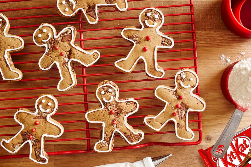 KIT KAT Ginger-Break recipe. You can use the dough to make gingerbread figurines and gingerbread house for them!