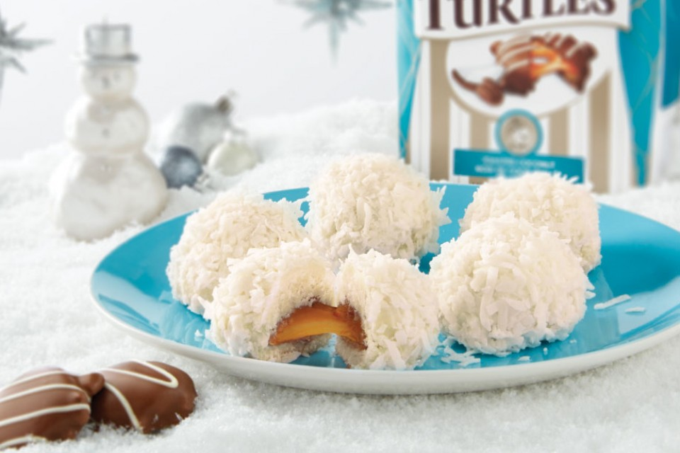TURTLES chocolate and coconut snowballs recipe. These frosted favourites are the perfect project for a snowy, christmas day.
