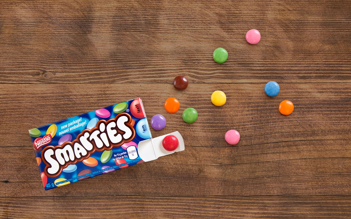 SMARTIES candy-covered chocolate treats in pre-portioned box. 3 x 15 gram portions.